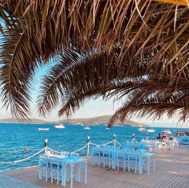 Teos Beach & Restaurant