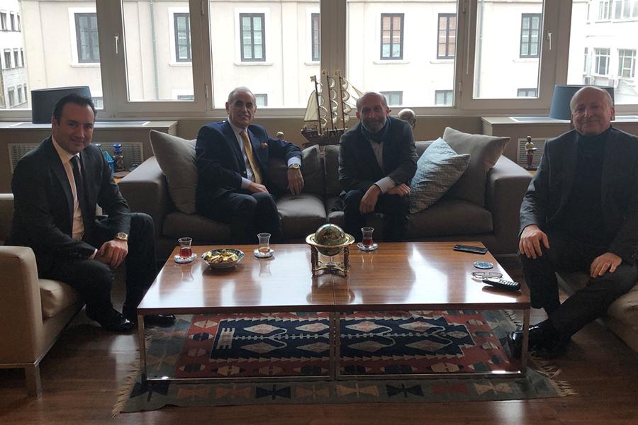 Belediye Başkanımız Sayın Erdem Gül ile zaman, zaman görüşüp, Adaların güncel sorunları hakkındaki düşüncelerimizi kendilerine iletmeye devam ediyoruz.
