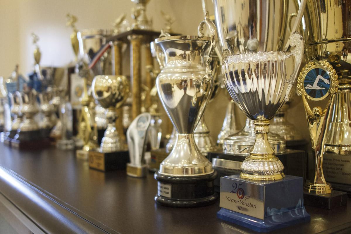 Ada kulüplerinin aldığı kupalar